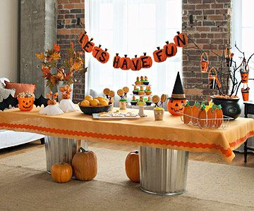 Cute Halloween party table: Kids Parties, For Kids, Halloween Parties Ideas, Pumpkin Patch Party, 1St Birthday, Halloween Kids, Halloweenparti, Pumpkin Patches Parties, Pumpkin Parties