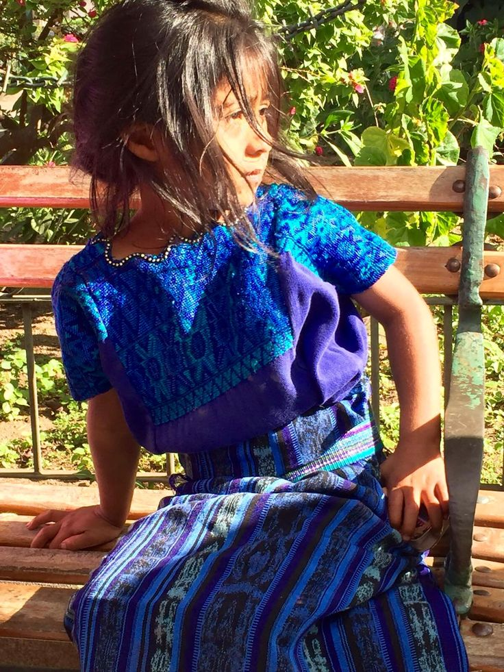 Maya girl taking the sun in La Antigua Guatemala #photo thx to @davikan #travel #lp   SUCHITOTO.TOURS@gmail.com