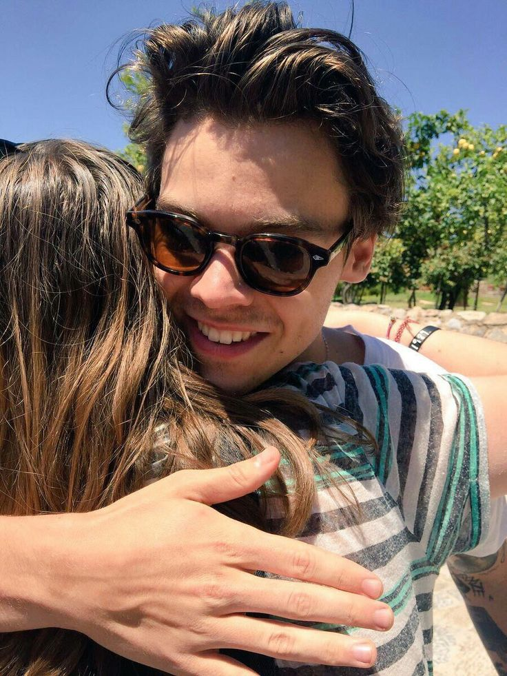 Harry hugging a fan (Mallorca).  Drown me in my tears of self pity... I will nEVER... uGH