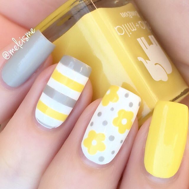 Uh huh, you know what it is grey and yellow grey and yellow sway with me + limoncello @snailvinyls : Flowers & Straight vinyls #ellamila #ellamilapolish #snailvinyls