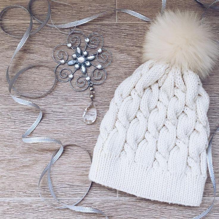 Snow Queen ❄️ схема от @elen_koroleva .  #knitting #knit #knitwear #knittedhat #knitstagram #knittinginspiration #knithat #knittersofinstagram #knittingwithlove #вязание #вяжутнетолькобабушки #вязанаяшапка #вязаныешапки #handmade #рукоделие