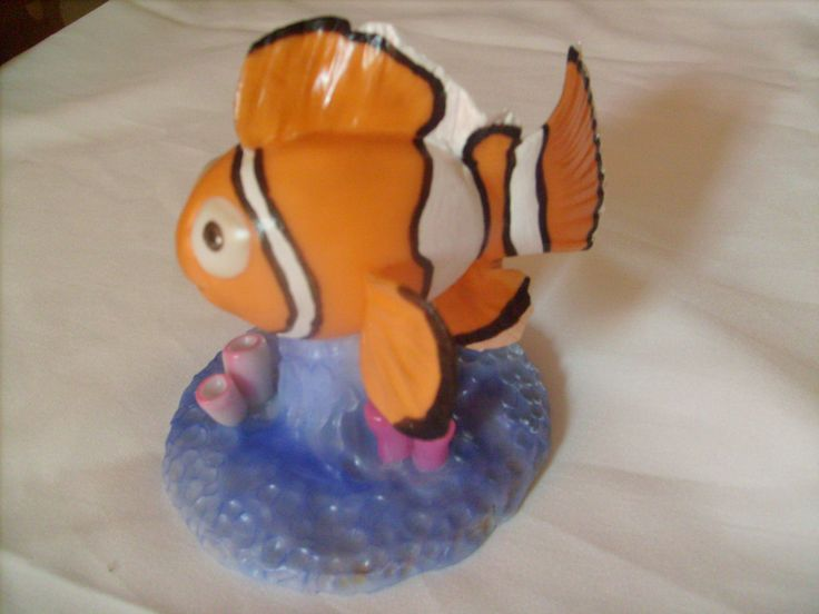 Nemo con base de 10cm.