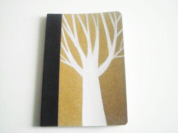 Albero bianco, taccuino dipinto a mano con colori acrilici, (8,7 x 12,8cm) in carta di bambù. #Stile boschivo. #Carta #Cancelleria #Taccuini #quaderno dipinto #illustrazione albero #dipinto a mano #appunt i #tascabile #8 x 12  #albero bianco #taccuino da viaggio  #mini notes albero #notes albero bianco #GabLabmadeinItaly