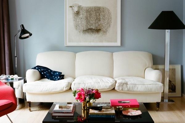 Pops of bright pinkWall Colors, Craziest Craigslist, Blue Wall, Living Room, Lauren Goodman, Colors Lauren, Colors Schemes, Craigslist Ads, My Style
