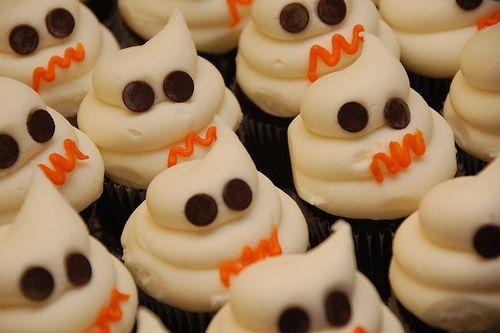 http://cupcakestakethecake.blogspot.com/2011/10/boo.html