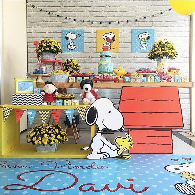 Decoração Snoopy muito linda para chá de bebê. Adorei tudo! Por @lacodefestaslz…