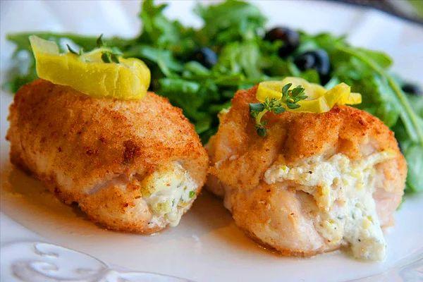 Humusu sadece meze olarak tüketmek artık sıradan gelin biz humusla tavukları lezzetlendirelim.