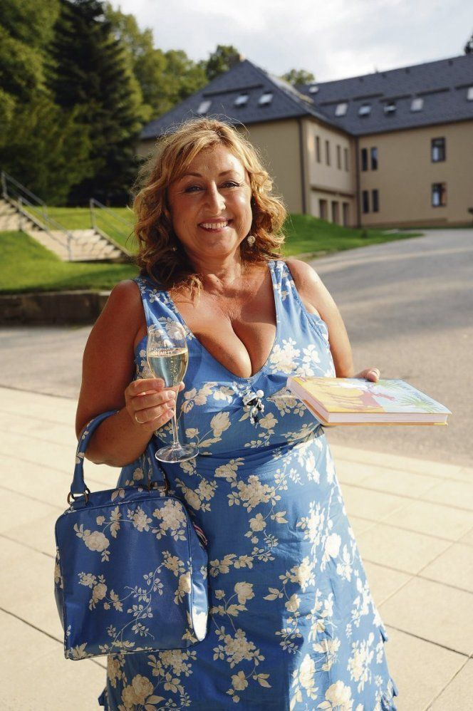 Granny | muture&beautiful plus | Pinterest | Curvy and Curves
