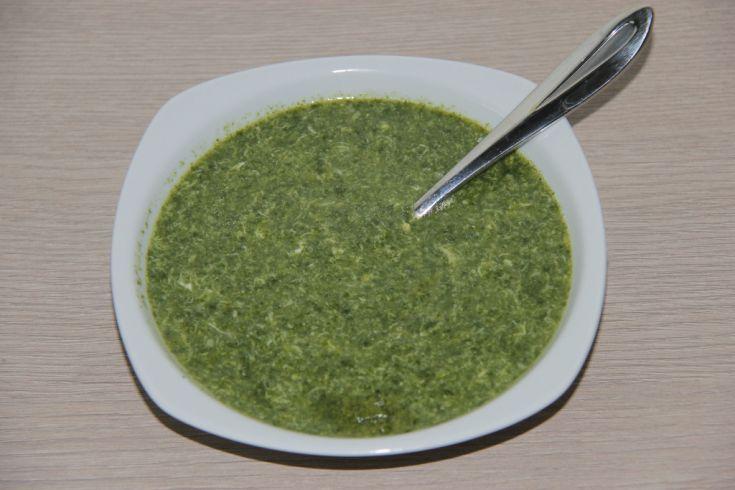 Špenátovo - vajíčková polievka