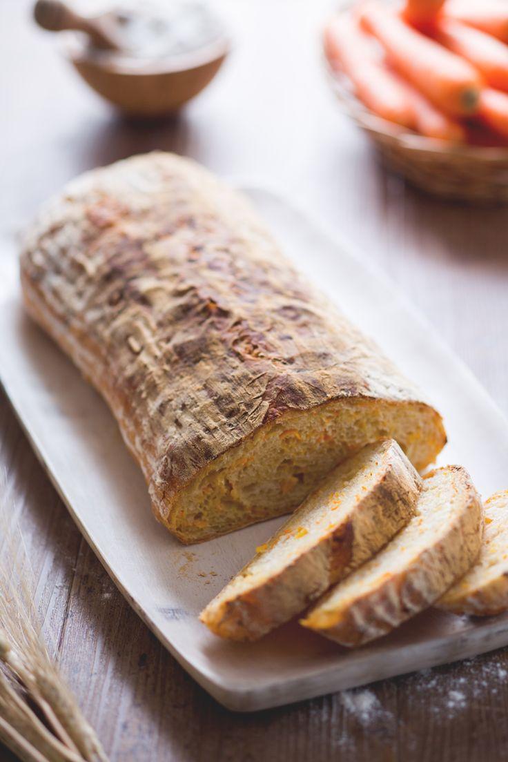 Voglia di un #pane sfizioso e diverso dal solito? Ecco il nostro pane alle carote! #Giallozafferano #recipe #ricetta #bread