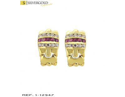 1-1-12947-1-Pendientes estilo media caña con detalles calados y lineas de zirconitas y piedras rojas, cierre