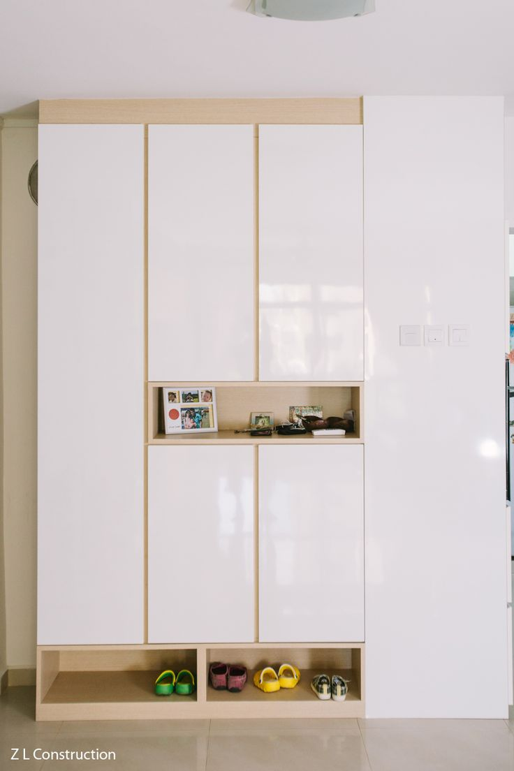 Z L Construction (Singapore)  Full height shoe cabinet with practical niches for easy storage of often-worn shoes and keys