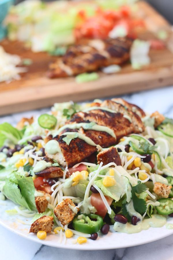 Southwest Chicke. salad with Healthy Avocado Garlic Dressing | cookingforkeeps.com