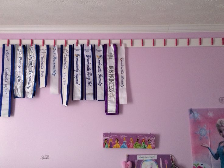 Pageant sash display