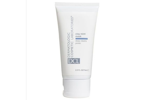 Like a decongesting breath of fresh air for problematic skin the new Clay Mint Mask from DCL quickly minimise the severity of blackheads and breakouts.