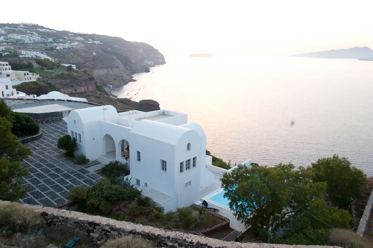Each magnificent villa exudes the tranquillity and allure of a Cycladic oasis that has it all: sweeping views, sophisticated interiors, a spa and private swimming pool. #AmbassadorSantorini #villa #santorini