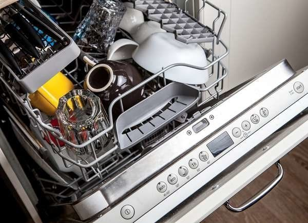 12 Things You Should Never Ever Clean With Vinegar Vinegar Cleaning Bosch Dishwashers Samsung Dishwasher