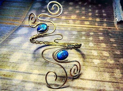 #bracciale #braceletshop #braceletshopping #braceletshops #bracelet #bracelets #bijoux #bijou  #gioielli #artigianato #handmade #handmadeshop #bijouxdusoleil #braccialiottone #braccialihandmade #madeinitaly #madeinbergamo #artisan #artigiani #fattoamano #braccialifattiamano #gioielliartigianali #braceletbrass #brass #metalwork #gioiellifattiamano #gioiellifattiamanoinvendita #wire #gemmopoli #diasproimperiale