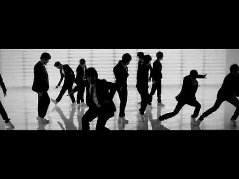Super Junior(슈퍼주니어) - Sorry, Sorry     Side note: Can anyone outdo Super Junior on awesome dance moves?
