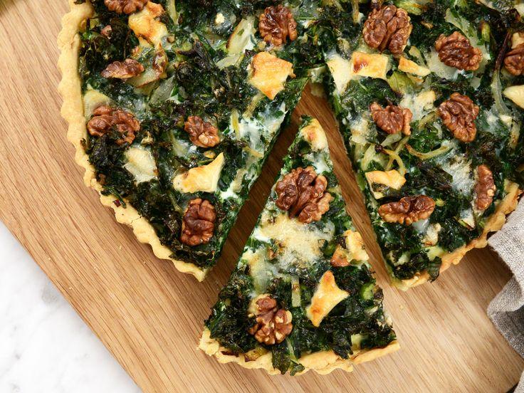 Grönkålspaj med getost och valnötter | Recept från Köket.se