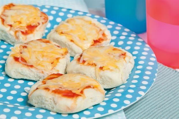 Para hacer jugando: Pizzetas caseras  ¡Divertite preparando unas pizzetas con tus hijos!.         Foto:Lucila Cummins