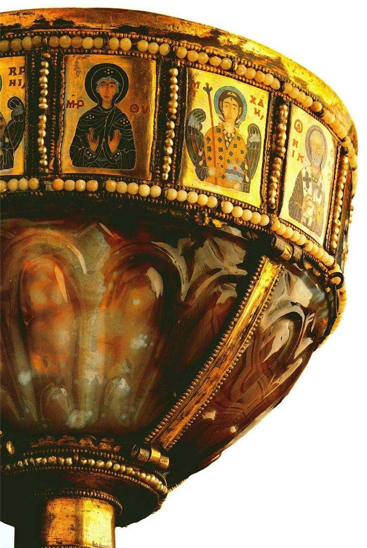 ВИЗАНТИЯ В КАРТИНКАХ - Ювелирно-прикладное искусство Византии македонско-комниновского периода.