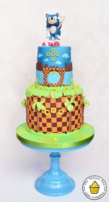 Sonic the Hedgehog - by YellowBeeCakeCompany @ CakesDecor.com - cake decorating website