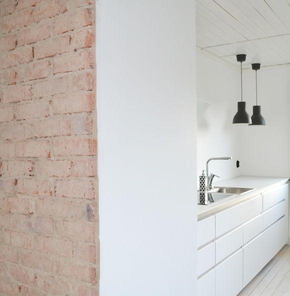 KÖKSRENOVERING. . . . De nya stommarna installeras och det nya köket börjar att…
