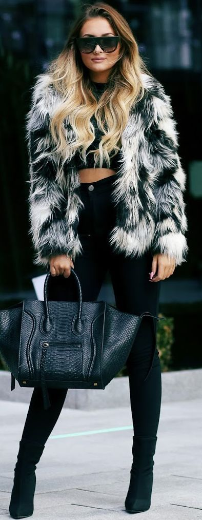 That Pommie Girl Faux Fur And Crop Top Fall Streetsyle Inspo