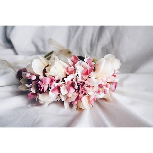 Hoy más que nunca nos sumamos al rosa 💞💞💞💞 Recordando estas #coronas para dos preciosas #pajesdeboda   #BeToscana💗 #19oct #diamundialcontraelcancerdemama   #sumatealrosa🎀