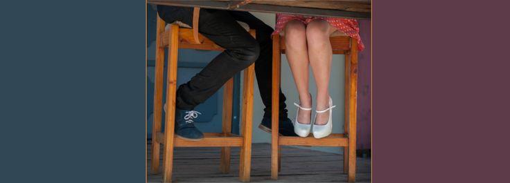 Der oder die Ex mit der man noch Kontakt hat, der beste Freund mit dem man nicht nur Worte austauscht oder die Arbeitskollegin, die eben mehr als nur ein Kollege ist. Anfängliche Freundschaften entwickeln sich im Laufe der Zeit in viele verschiedene Richtungen. Sie können Freude, Spaß und Aktzeptanz mit sich bringen, genauso wie Liebe, Zuneigung, Wertschätzung und Vertrauen. Hört sich doch fast wie die Atribute einer Liebesbeziehung an oder? Ok……..der Sex fehlt, aber ansonsten doch sehr…