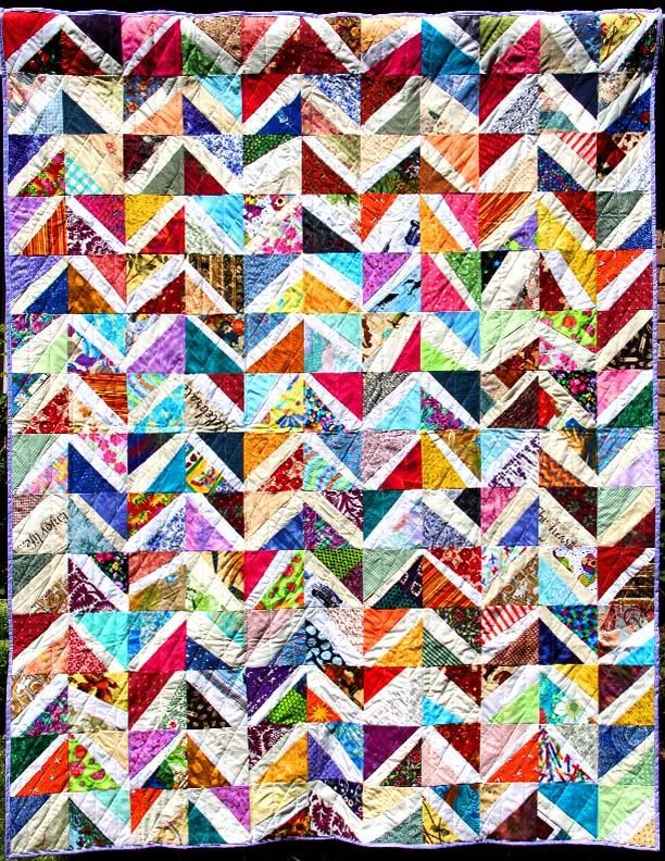 https://community.themodernquiltguild.com/sites/default/files/styles/juicebox_small/public/Zig%20Zag%20Quilt.jpg?itok=RCzco6aT
