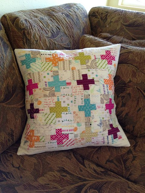 Pillow talk swap 10   Flickr - Photo Sharing! Love this design, would be cute to make into a baby size quilt