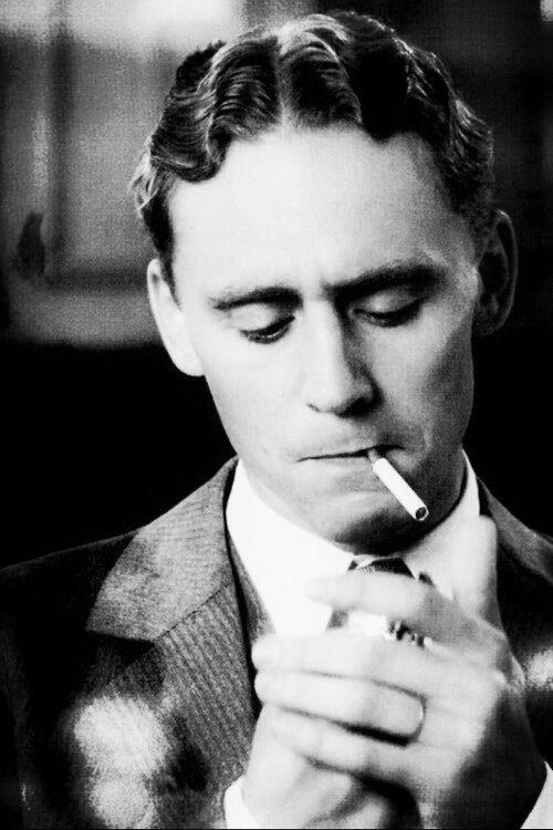 Tom Hiddleston As F Scott Fitzgerald In Midnight In Paris