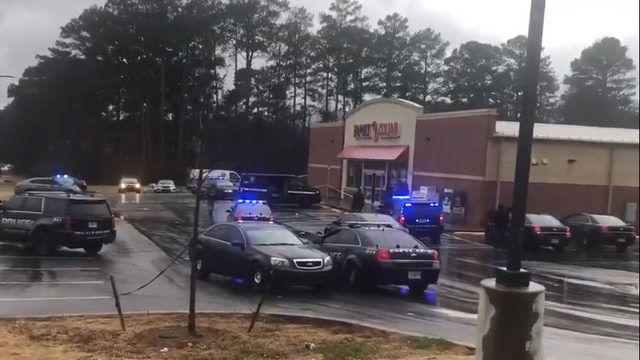 Customer shoots, kills robbery suspect at Family Dollar