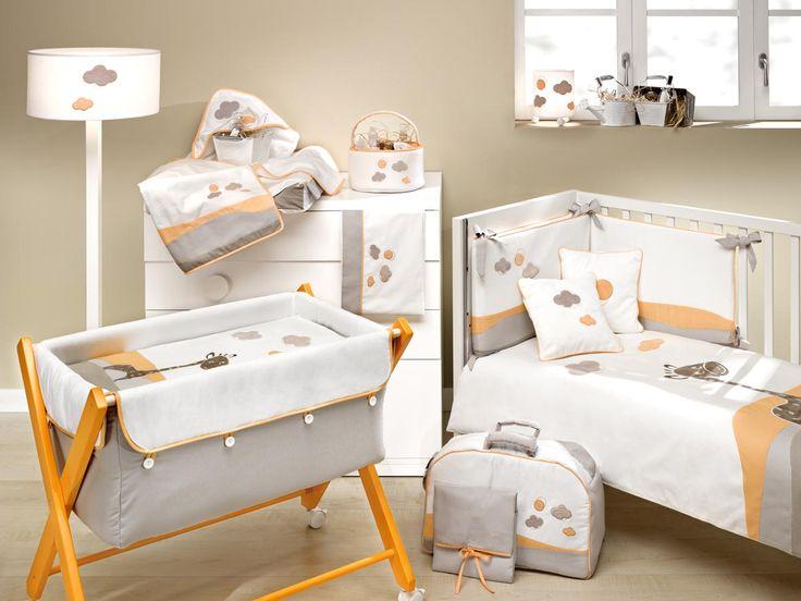 #ternura y #armonia para tu #bebe Composición Jirafa de Ros textil. #Minicuna, #arrullo, #capas, #sabana, #cambiador viaje, #funda cambiador,# cesto colonias, bolsa #neceser, #colchas, #nórdico, protector, juego cojines, #lamparas. Disponible en verde y naranja. Ver mas en: http://www.ros1.com/es/producto/jirafa
