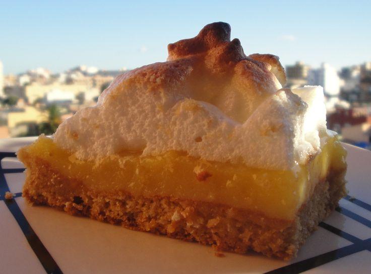Lemon Pie  Masa, Harina leudante 200 grs...  Podes ver la receta completa en:  http://recetasargentinas.net/lemonpie.html