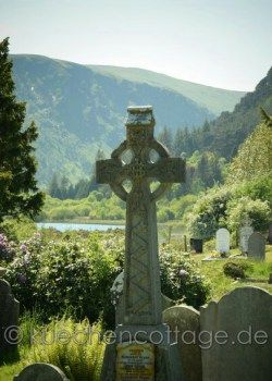 Glendalough (County Wicklow, Wicklow Mountains Nationalpark) #glendalough #wicklow #kloster #hochkreuz #irland #reise #rundreise #fotografie #urlaub