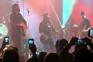 I bet you didn't know the guys from Duck Dynasty could play music, too! Here they are making an appearance on stage at a Christian rock concert with Third Day, one of Christian music fans' favorite bands. Watch the video