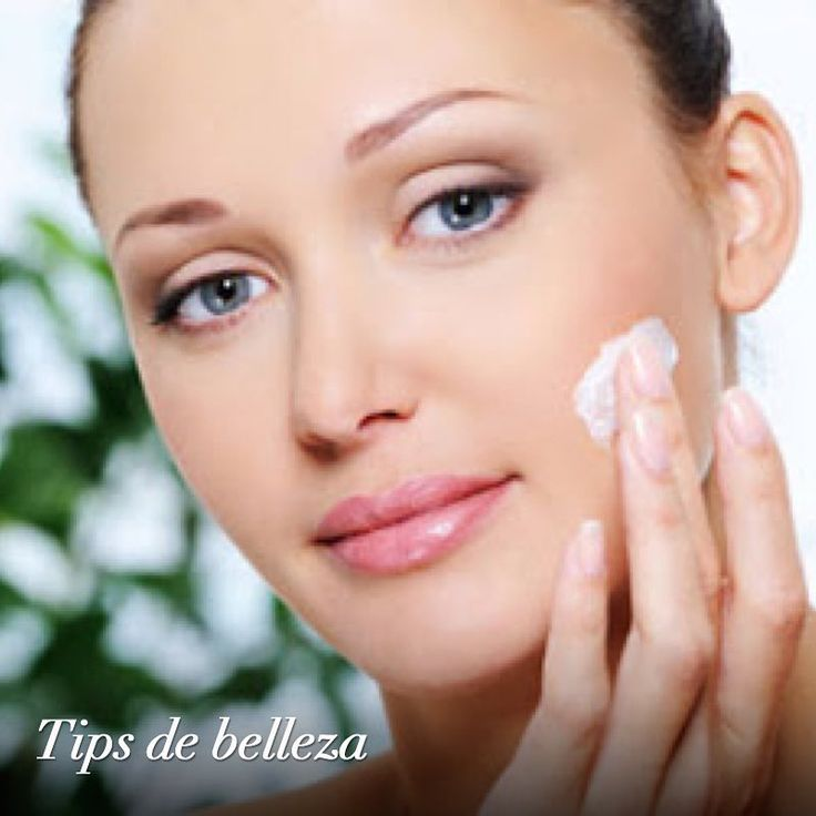Wearing sunscreen every day reduces the risk of skin cancer, premature aging and appearance of spots and wrinkles. Include it in your daily beauty routine. #TipsdeBelleza #FajasDiseñoDPrada