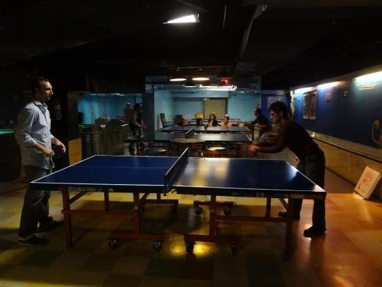 NEW YORK- Fat Cat Restaurant- table tennis etc