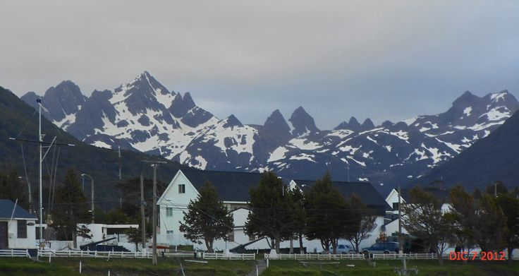 "Puerto Williams, Dientes de Navarino. ""a fines de Primavera"""