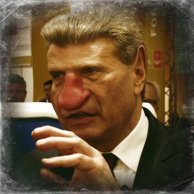 """❌❌❌ Die EU bekommt jetzt ein weiteres Unterhaltungsformat. In einer ersten Aufführung kam es zum Showdown zwischen dem legendären Kommissar Oettinger und dem Chefideologen von der Partei """"Die Partei"""", dem Martin Sonneborn. Allerdings weigerte sich der spröde Günther auf Englisch zu antworten und düpierte sogleich rund 400 Millionen Europäer, die der Deutschen Sprache nicht mächtig sind. Nicht sonderlich vertrauensbildend, aber darauf kommt es für EU-Kommissare nicht an. ❌❌❌"""