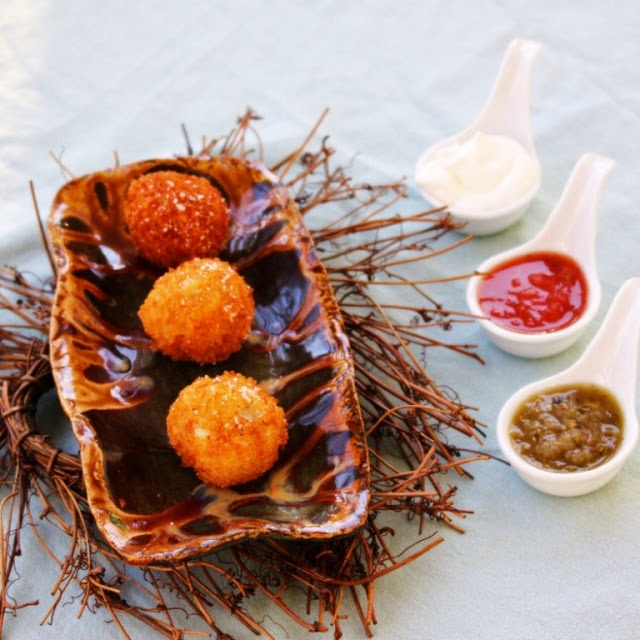 Loaded Potato Balls ~ a good use of left over mashed potatoes!