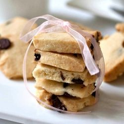 Coconut Chocolate Chip Shortbread..  http://www.manusmenu.com/coconut-chocolate-chip-shortbread-cookies