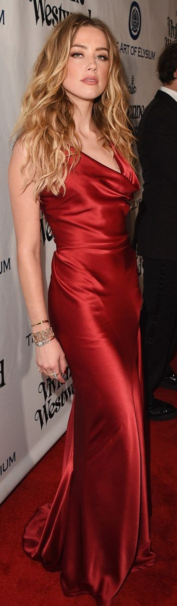 Amber Heard: Dress – Vivienne Westwood, Shoes – Salvatore Ferragamo