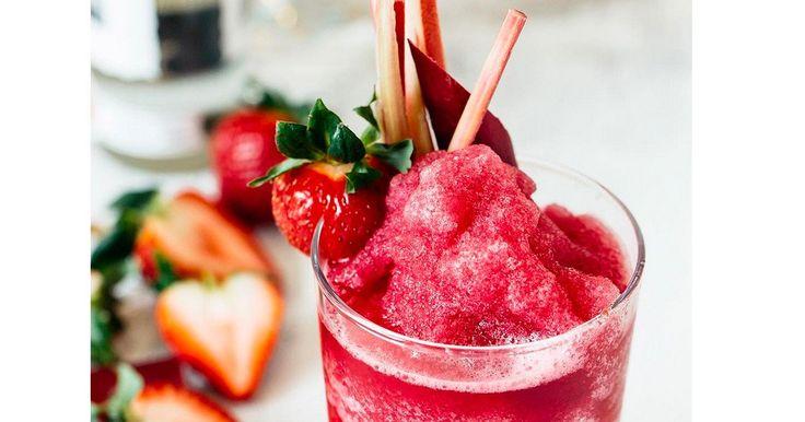 Bye Bye Lillet Berry, Aperol Spritz und Hugo: Eisgekühlte Wein-Slushies werden das It-Getränk des Sommers. Mehr dazu jetzt auf ELLE.de!