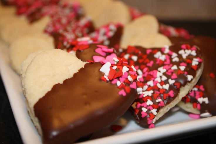 chocolate dipped shortbread hearts | yummy in my tummy | Pinterest
