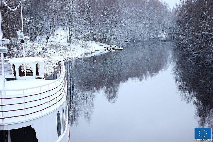 Jokilaiva Barpuuri Seinäjoella © Jari Ratilainen, 2013