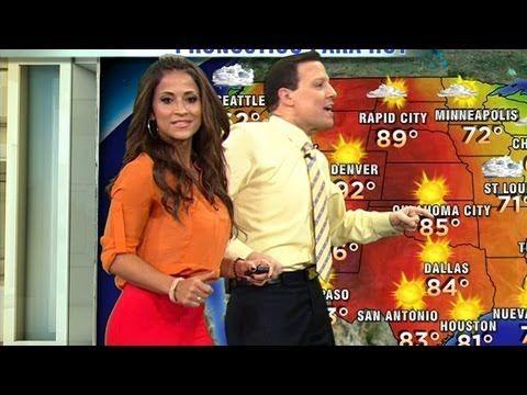 Mira cómo se mejora el clima cuando cantan y bailan para dar la temperatura en Despierta América. http://entretenimiento.univision.com/despierta-america http...